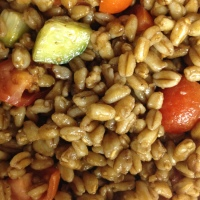 Quick & Delicious Farro Salad (Uno's Copycat Recipe)